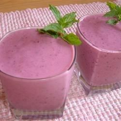 Licuado de yogurt con cinco frutas