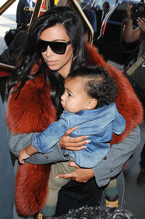 Kim Kardashian, North West, Míralos