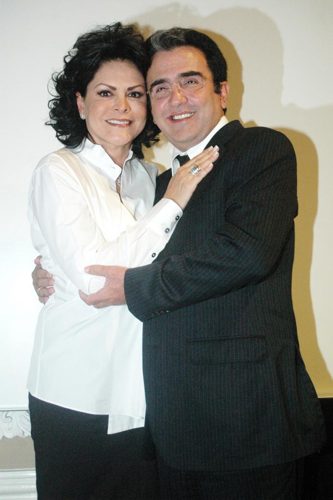 Mara Patricia Castañeda, Vicente Fernández Jr.
