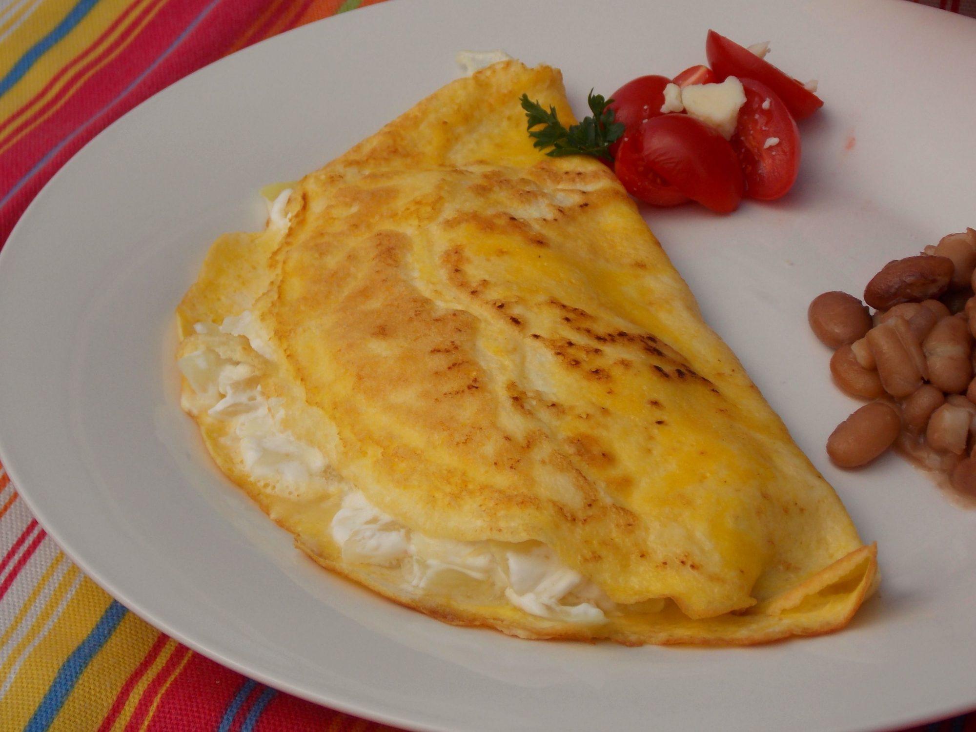 Omelette con cebolla y queso