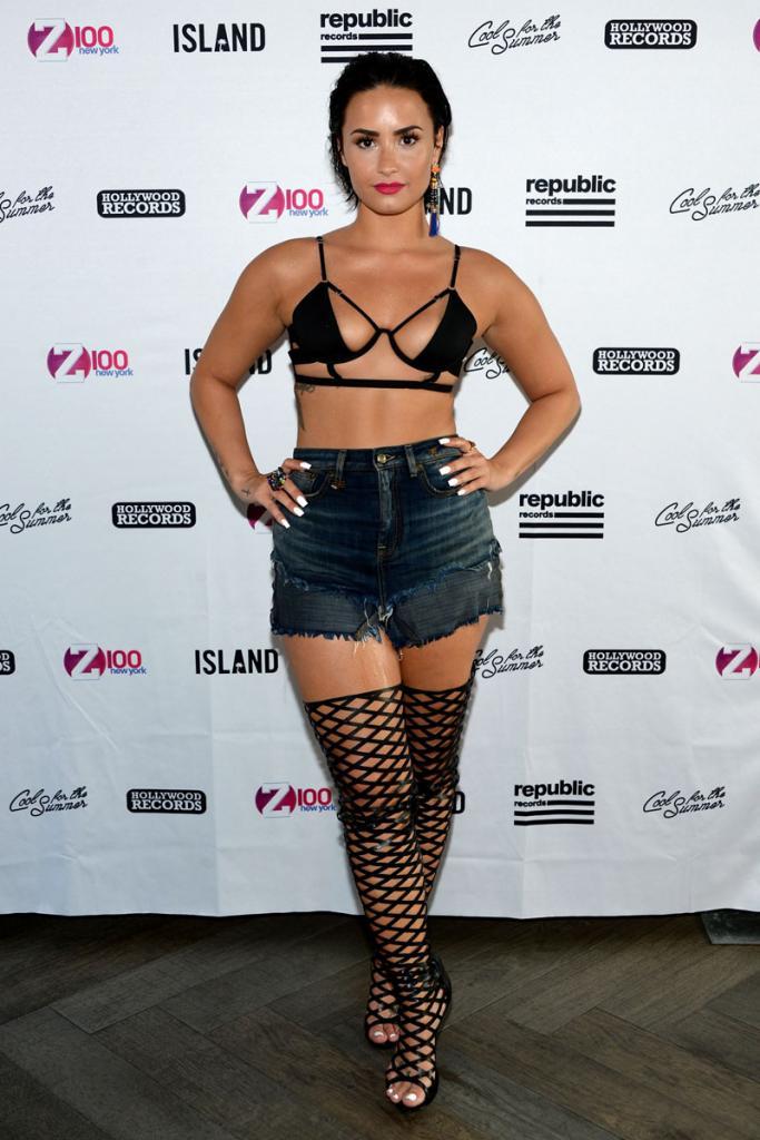 Miralos, Demi Lovato