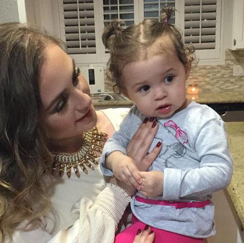 Bebés en Instagram, Larry Hernández