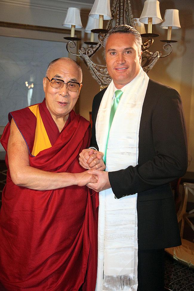 Edgardo Villar, Dalai Lama, Míralos
