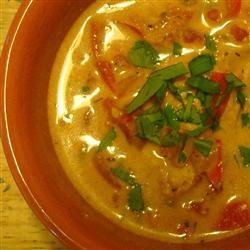 Sopa de pescado con leche de coco