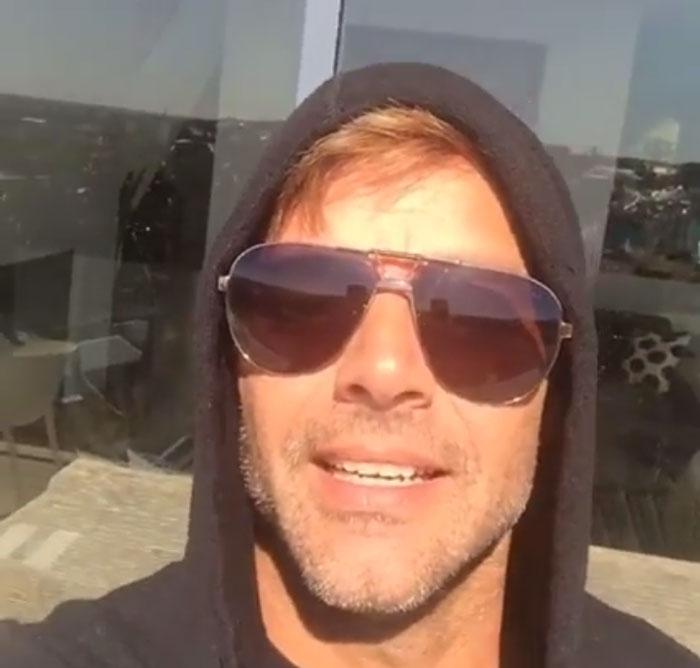 Ricky Martin prueba nueva app Facebook