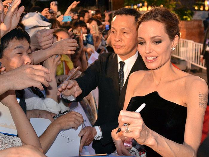 Angelina Jolie, zurdos,