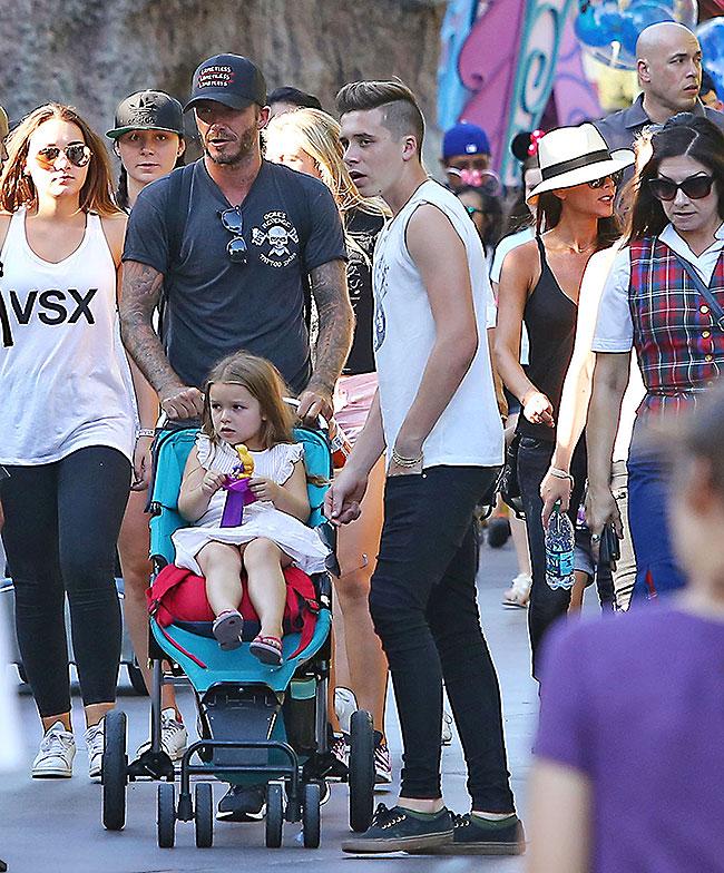 David Beckham, Victoria Beckham, Harper, Brooklyn, Míralos