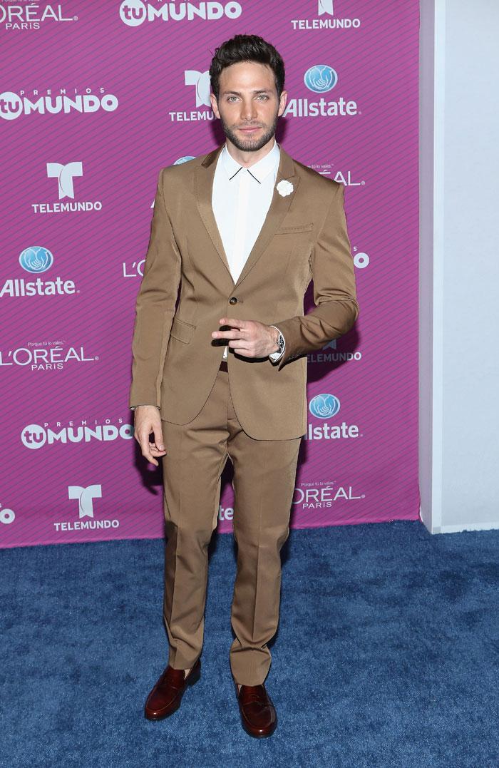 Gabriel Coronel, Premios Tu Mundo 2015