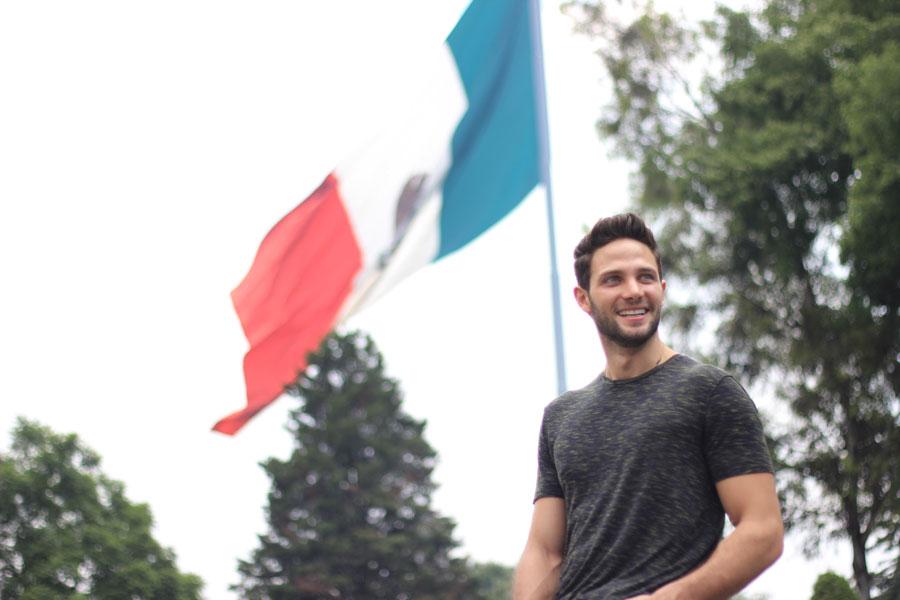 Gabriel Coronel en México
