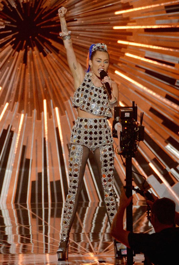 Miley Cyrus, MTV Video Music 2015
