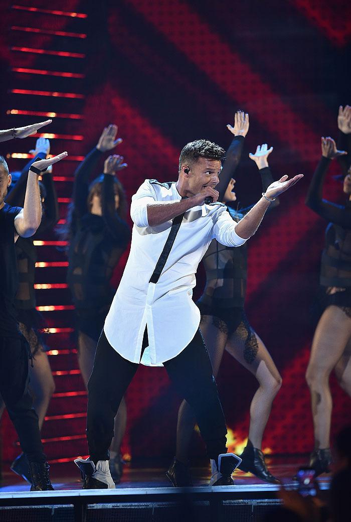 Ricky Martin, Día, Internacional, Zurdos