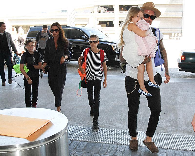 David Beckham, Victoria Beckham, Brooklyn Beckham, Cruz Beckham, Romeo Beckham, Míralos