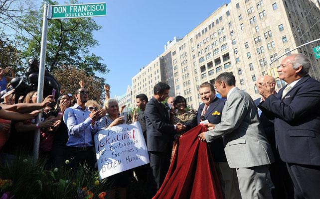 Don Francisco, Nueva York, calle, proclama, homenaje,
