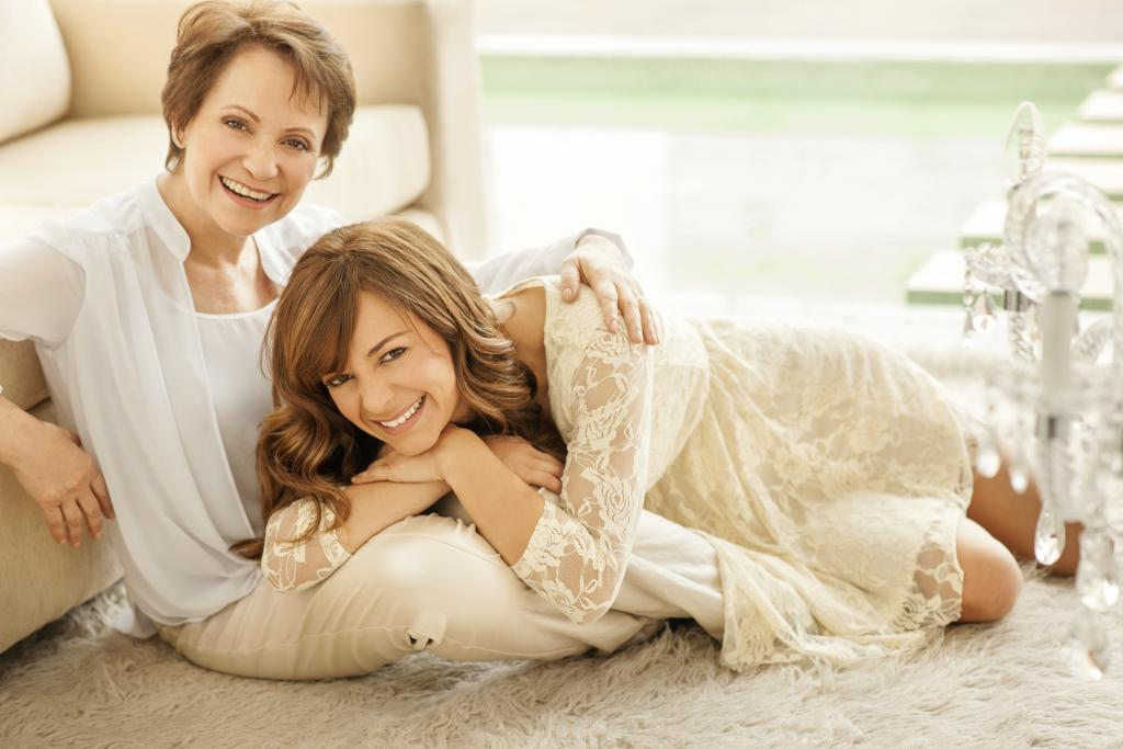 Adriana Barraza y su hija Ana Carolina Valsagna