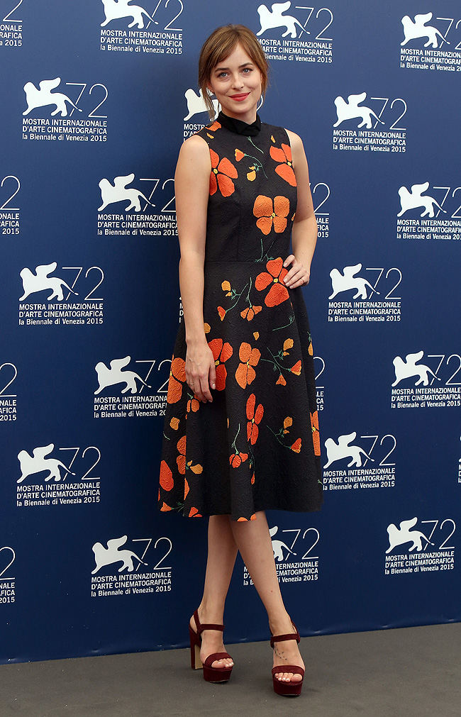 Flores, festival venecia, Cine, tendencia, Dakota Johnson