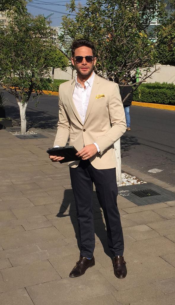 Gabriel Coronel en personaje