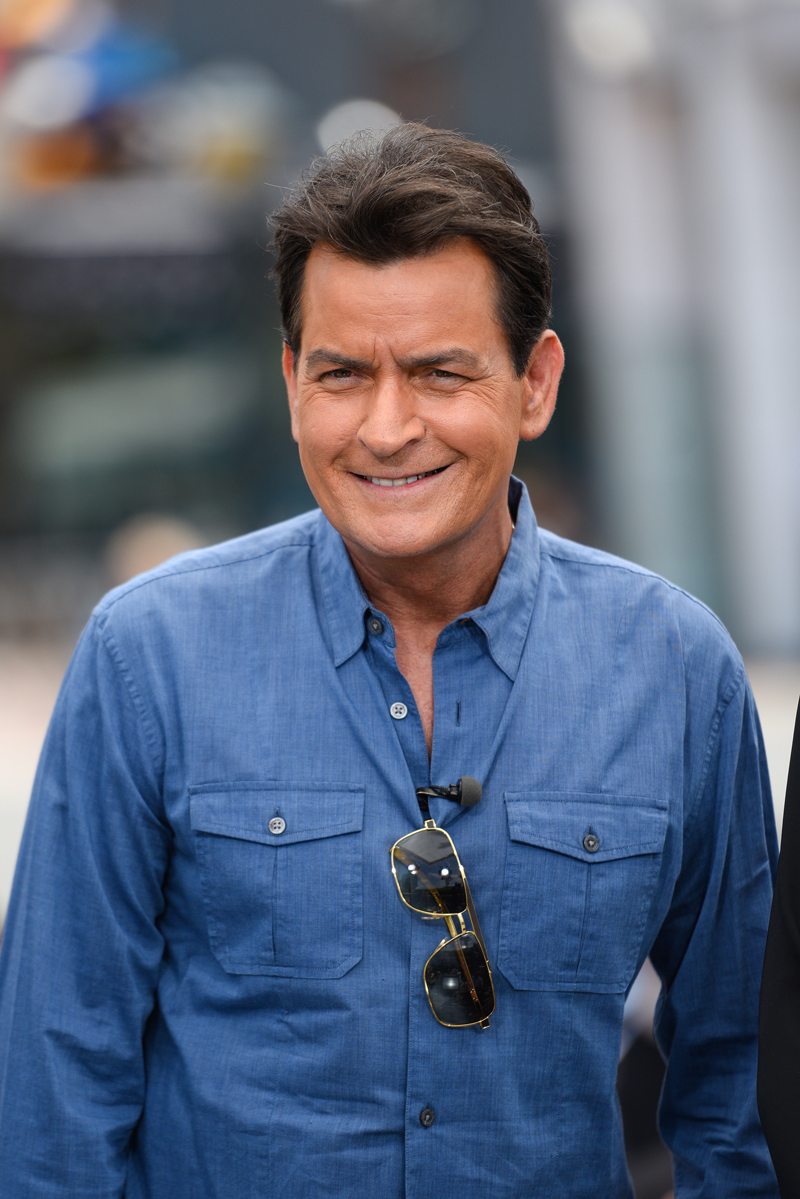 Abuelos famosos, Charlie Sheen
