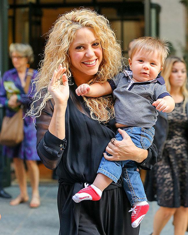 Shakira, Sasha, Míralos
