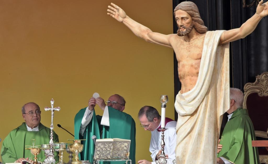 Papa Francisco da la misa en Cuba