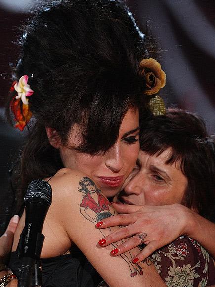 Amy Winehouse, Tributo AM
