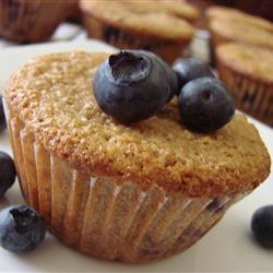 Muffins integrales con moras y naranja