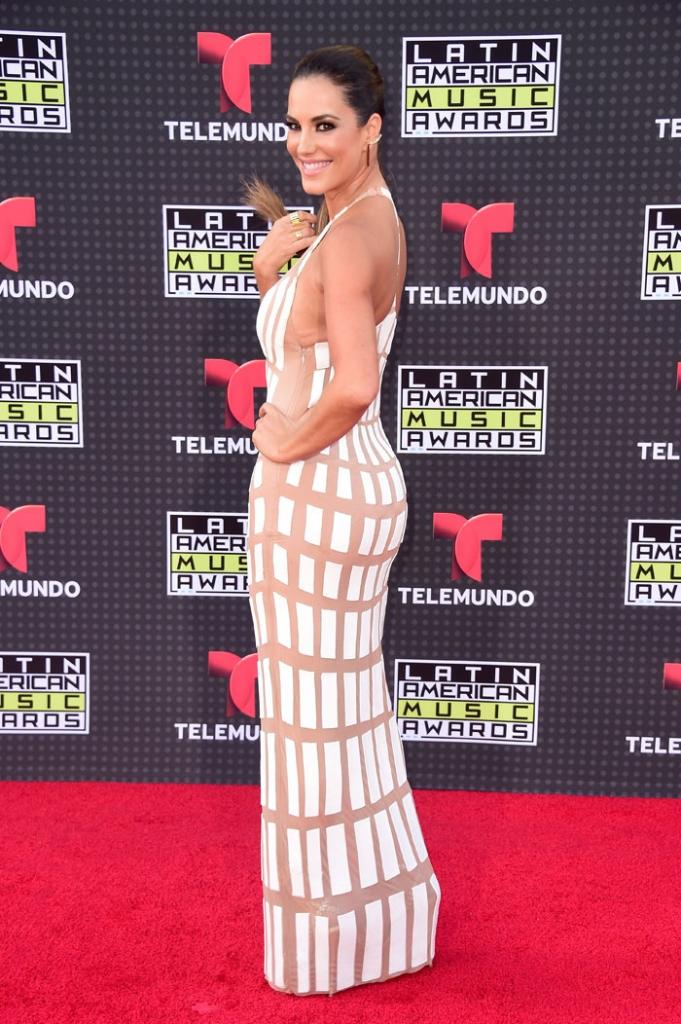Latin American Music Awards 2015, Gaby Espino