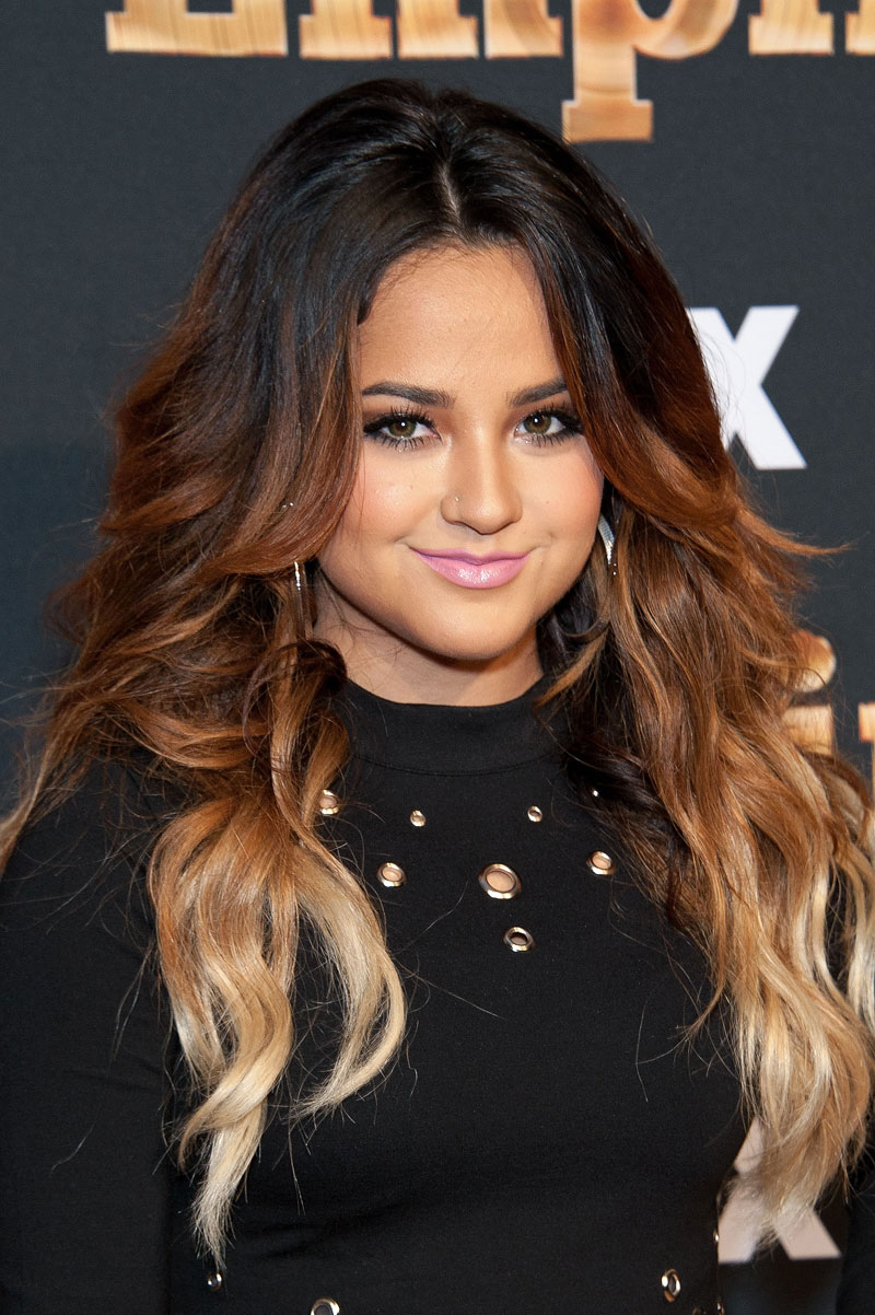 Latinos TV, Becky G
