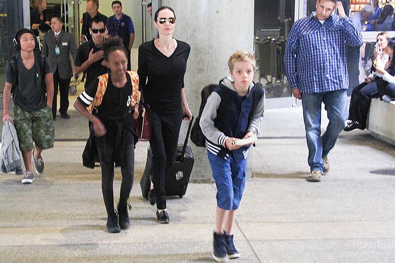 Angelina Jolie, Pax, Zahara, Shiloh, Míralos