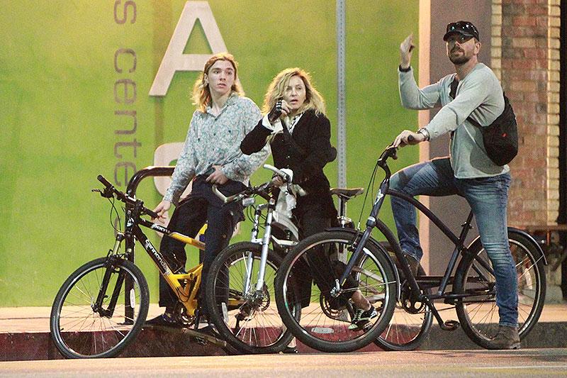 Madonna, Rocco Ritchie, Míralos