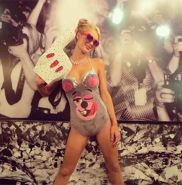 Paris Hilton, Halloween