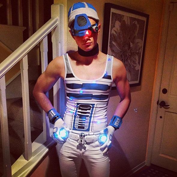 Chris Colfer, Halloween