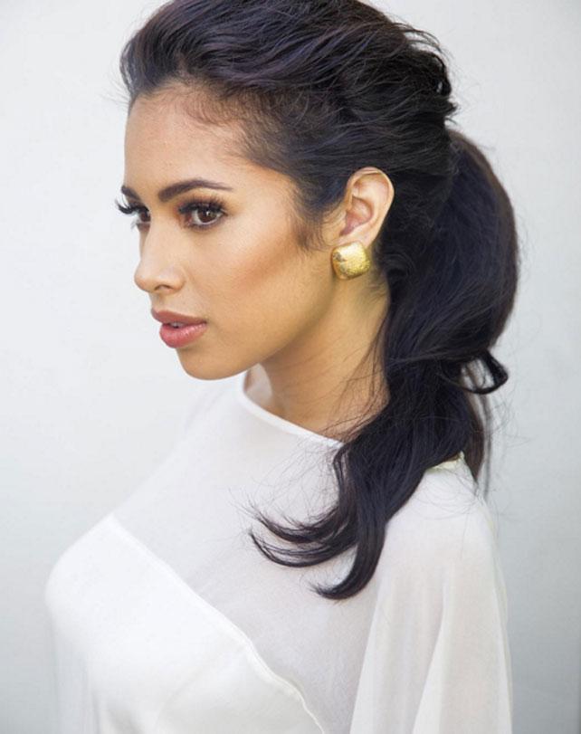 Jasmine V, 10 cosas