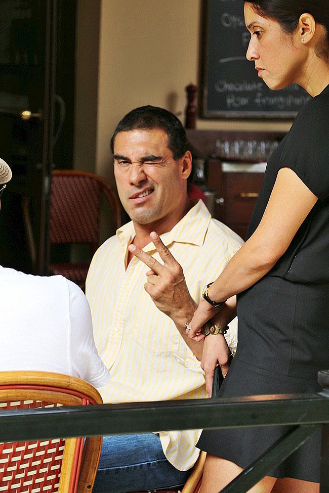 Eduardo Yáñez, Míralos