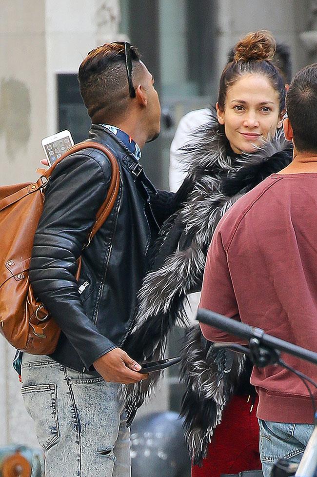 Jennifer López, Míralos