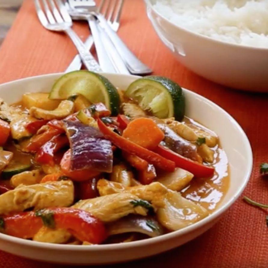 Pollo en curry rojo  thai