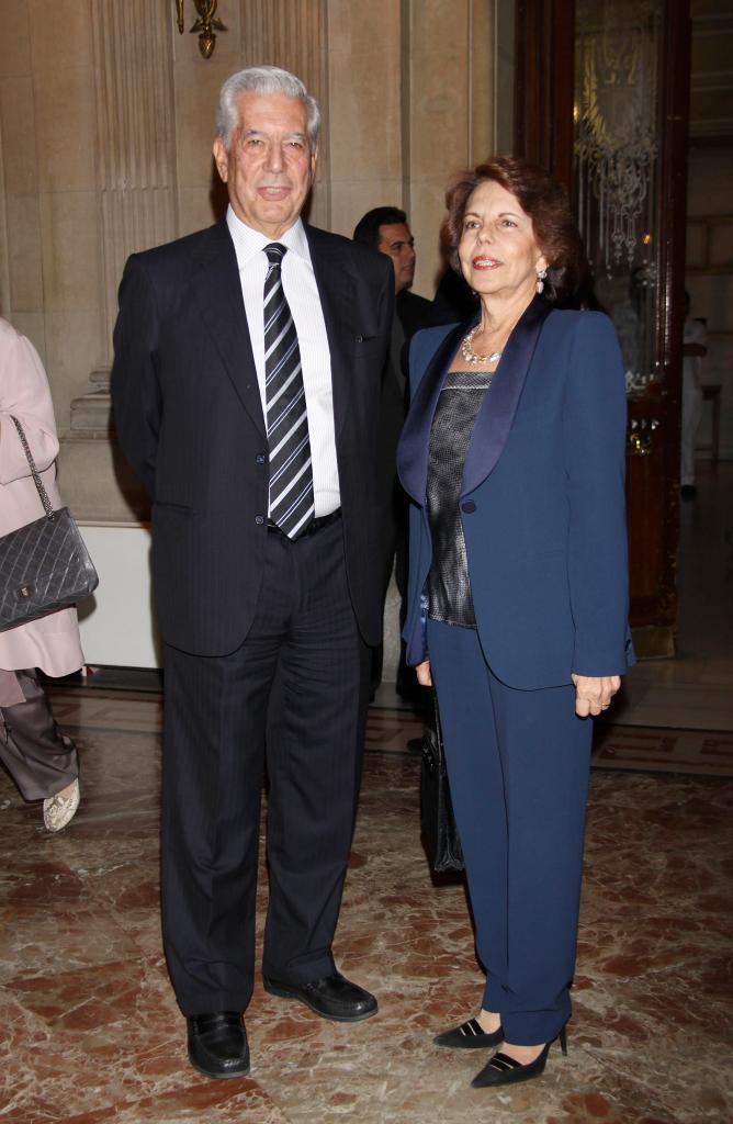 Mario Vargas Llosa, y Patricia Llosa