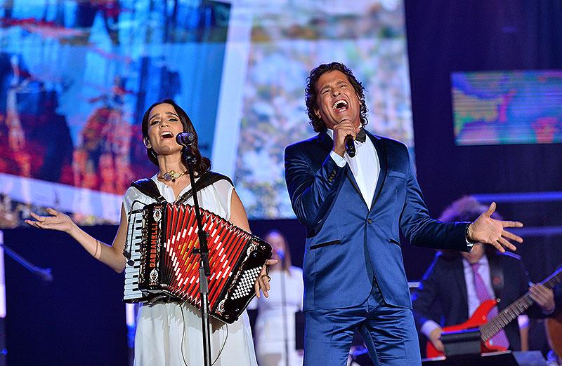 Carlos Vives, Julieta Venegas
