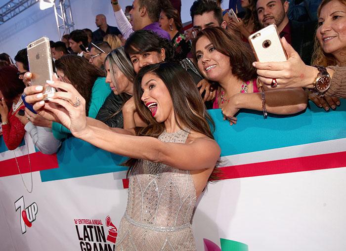 Latin Grammy 2015, lo que no viste, Roselyn Sanchez