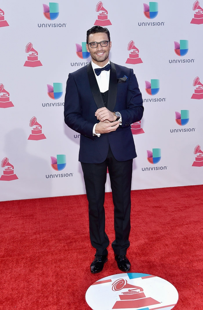 Latin Grammy 2015, JULIÁN GIL
