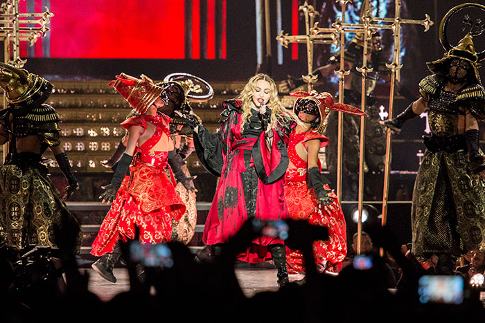 Miralos, Madonna
