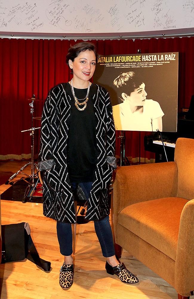 Natalia Lafourcade, Míralos
