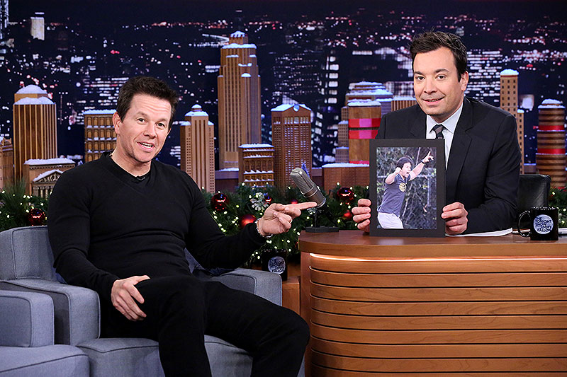 Jimmy Fallon, Mark Wahlberg, Míralos