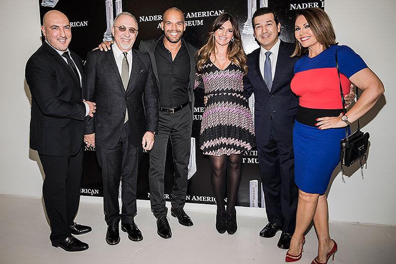 Emilio Estefan, Amaury Nolasco, Bárbara Bermudo, Mario Andrés Moreno, María Elena Salinas, Míralos
