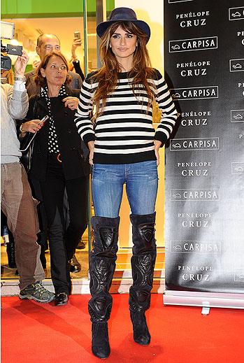 Penélope Cruz, boots
