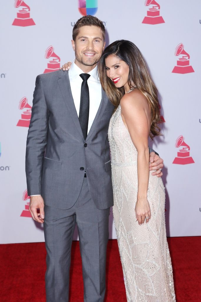 Roselyn Sanchez y Eric Winter