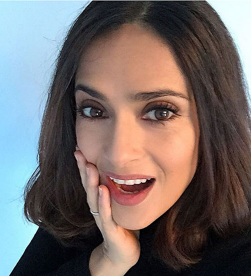 Salma Hayek, chic y corto