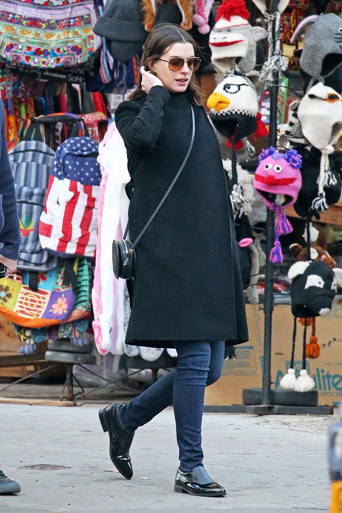 Miralos, Anne Hathaway