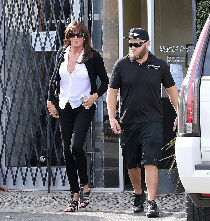 Caitlyn Jenner, Burt Jenner, Míralos