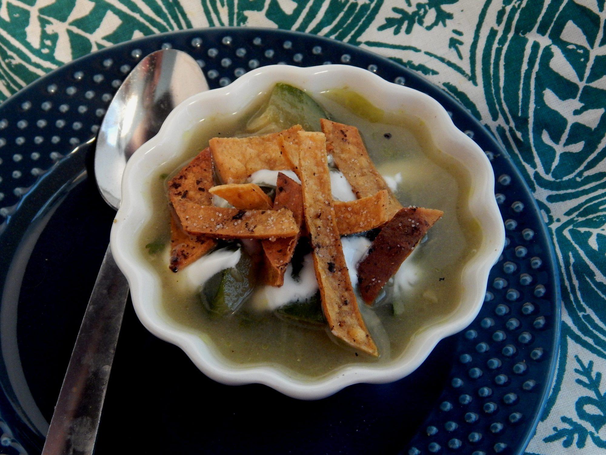 Sopa de calabacitas y cilantro