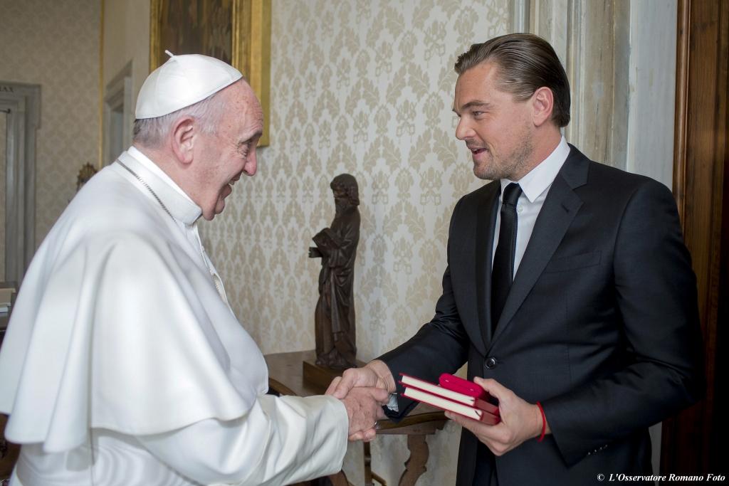 Papa Francisco y Leonardo Di Caprio
